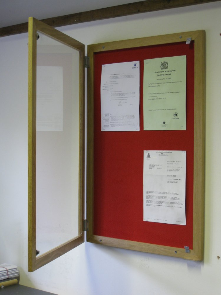 Using Notice Boards To Organise Your Office Display